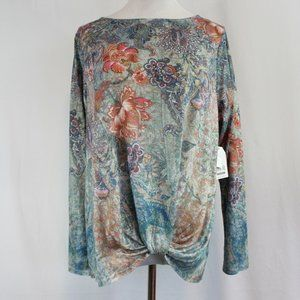 Time and Tru Long Sleeve Sublimation Top Women's L